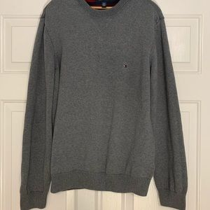 Tommy Hilfiger Men's gray pullover sweater large